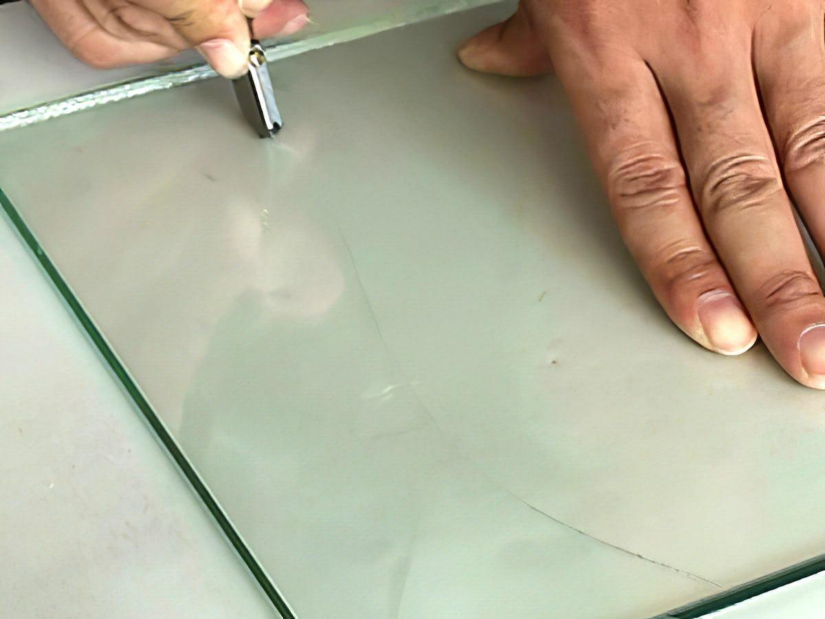 ガラスの曲線状の切り方