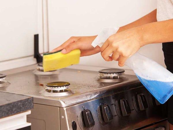 キッチンの油はね・水はねにオススメなオイルガード3つを比較